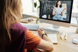 Online learning streaming classes